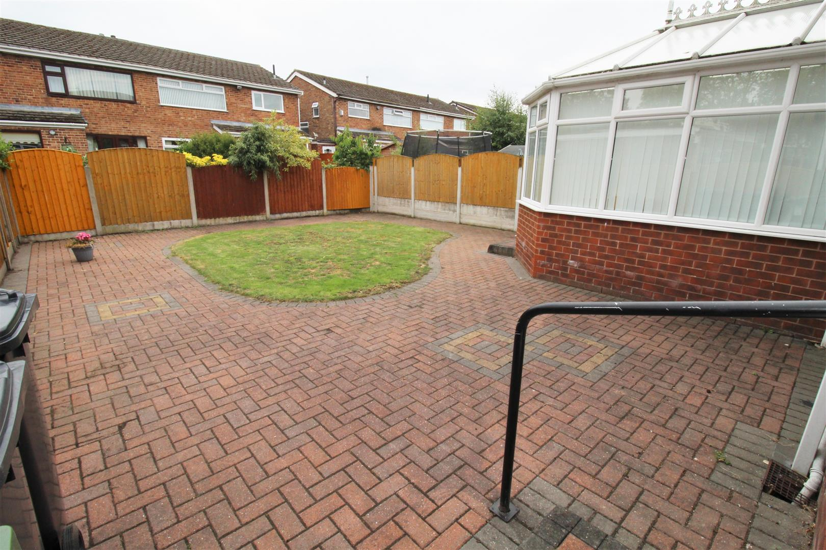 3 Bedrooms, House - Semi-Detached, Exeter Close, Liverpool